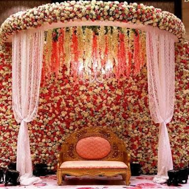 White & Red Roses Themed Wedding Stage